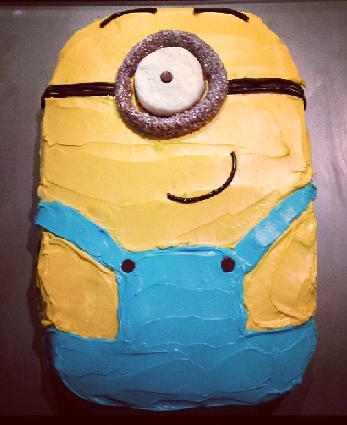 Break from Cookies ......for a Minion Cake?